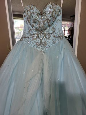Quinceanera dress and package!! for Sale in Wylie, TX