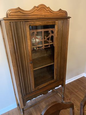 Wooden antique display cabinet for Sale in Knoxville, TN