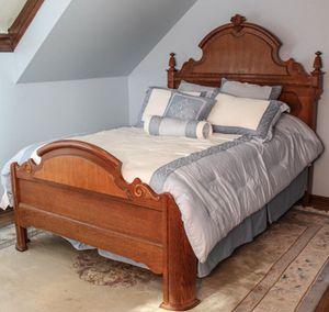 Lexington Victorian Sampler Collection Bedroom Set for Sale in Portland, OR