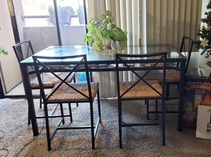 Dining table w/ 4 chairs - Perfect condition for Sale in San Diego, CA