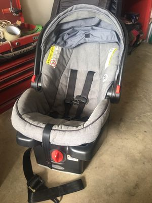 Car seat and pack n play for Sale in Cross Roads, TX