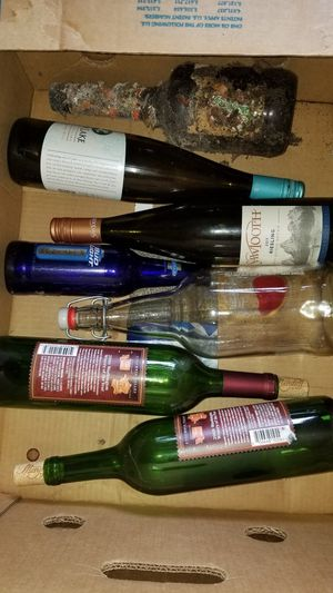 Wine/glass bottles for crafts for Sale in Cosmopolis, WA