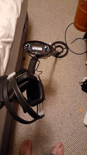 Bounty Hunter tracker IV has headphones nice metal detector! great condition with batteries new! for Sale in Centralia, WA