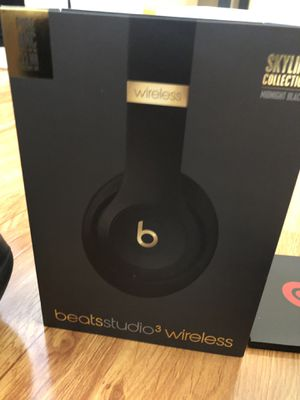beats studio 3Wireless for Sale in Las Vegas, NV