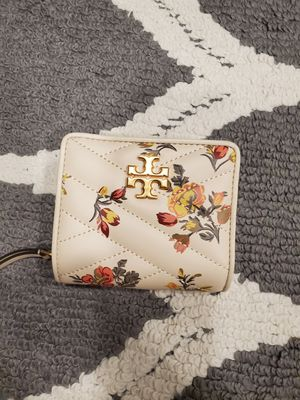 Small Tory Burch wallet for sale for Sale in Westminster, CA