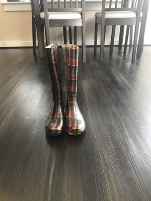 Women size 6 Rainboots for Sale in North Bethesda, MD