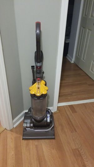 Dyson vacuum for Sale in Goodlettsville, TN