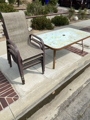 Free patio table and chairs for Sale in Rancho Cucamonga, CA