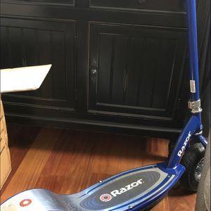 Razor E325 for Sale in Cerritos, CA