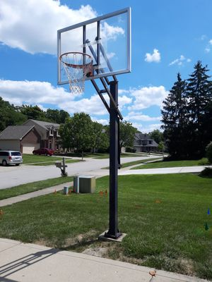Basketball hoop for Sale in Indianapolis, IN