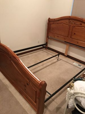 King wood and metal bed frame for Sale in Bellingham, WA