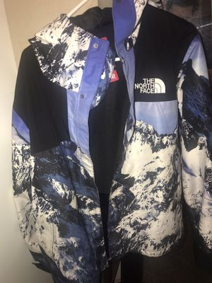 Supreme the north face tnf parka mountain jacket Bape for Sale in Jurupa Valley, CA