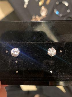 New CZ Diamond Stud Earrings Size 8MM for Sale in Las Vegas,  NV