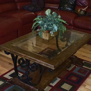 Wooden Coffee Table for Sale in Lawrenceville, GA