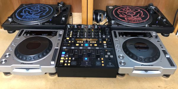 2x Pioneer cdj 800 mk2 220v excellent condition work perfectly. DJ equipment