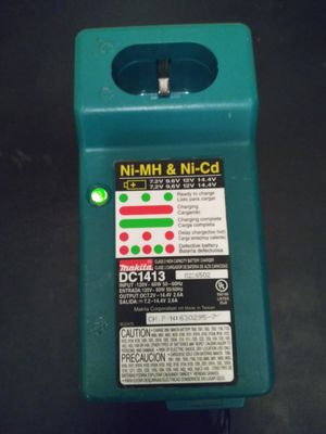 MAKITA DC1413 CHARGER for Sale in Austin, TX