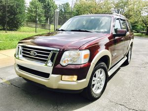 2006 Ford Explorer Eddie Bauer advance Trac Excellent Condition for Sale in North Bethesda, MD