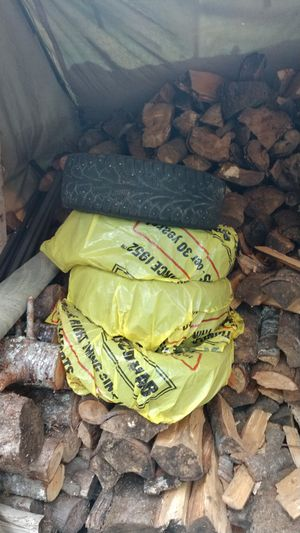 4 Hankook winter studded tires 185 / 65 r14 for Sale in Monroe, WA