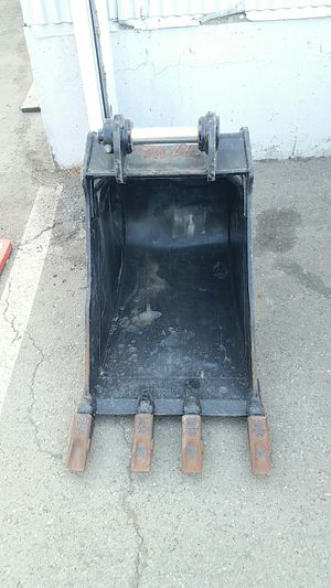 Backhoe hydraulic bucket,24' for Sale in San Leandro, CA