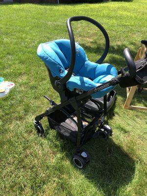 Maxi COSI Car Seat / Stroller System for Sale in Columbus, OH
