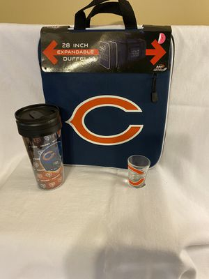 Chicago Bears duffle bag cup and shot glass for Sale in Bartlett, TN