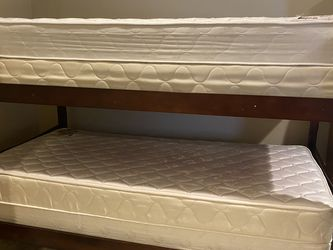 Bunk Bed With Twin Mattresses And box Spring for Sale in Shrewsbury,  MA