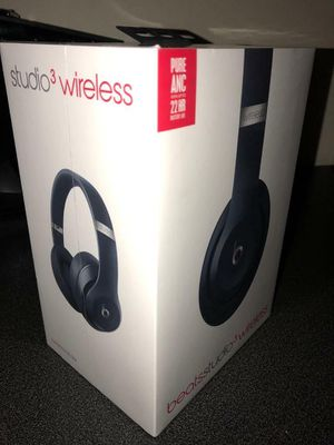 Unopened navy blue wireless beats $260 today!! Won't last low ballers will be ignored for Sale in Los Angeles, CA