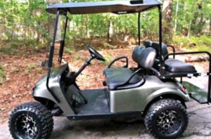 Price$1000 EZ-GO TXT 2O17 Electric Golf Cart for Sale in Frederick, MD