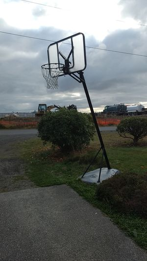 Basketball hoop for Sale in Spanaway, WA