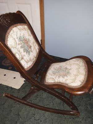 Vintage womans sewing rocker for Sale in Malta, OH