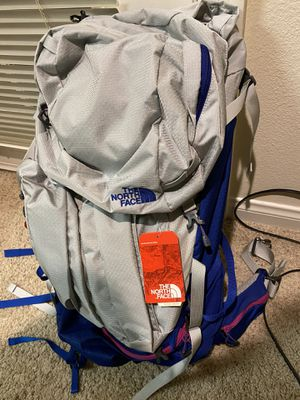 North Face Fovero 70 Backpack Women's - BRAND NEW for Sale in San Diego, CA