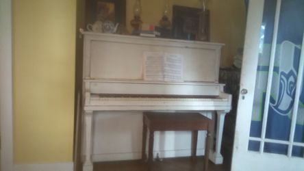 Unknown old piano for Sale in Elma,  WA