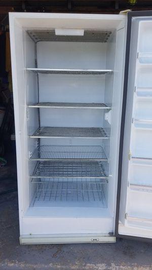 GE 26cu ft manual defrost upright freezer for Sale in Miramar, FL