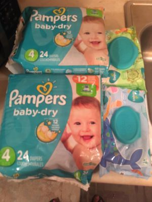Pampers snug and dry size 4 (2 packs ) 2 packs wipes for Sale in Bellflower, CA