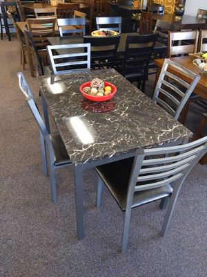 DINING SET for Sale in Los Angeles, CA