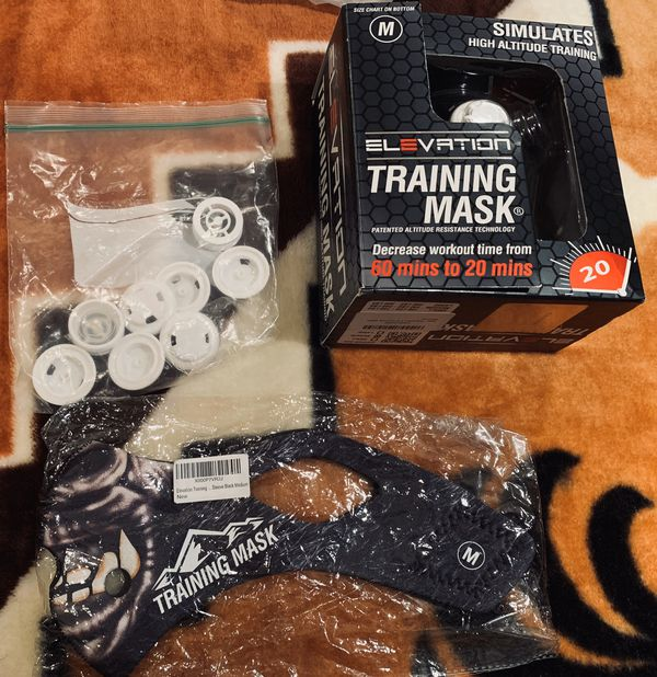 Training Mask comes with spare valves NEW