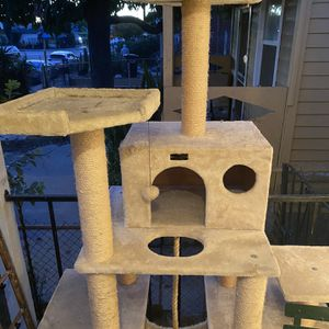 Cat Tree House for Sale in Commerce, CA