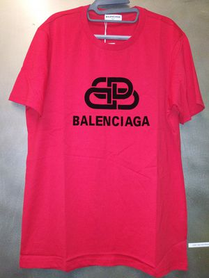 Balenciaga t-shirt size xl for Sale in New York, NY
