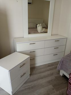 NEW MIRROR DRESSER AND 1 NIGHTSTAND. DRESSER ALSO SOLD SEPARATELY for Sale in Fort Lauderdale,  FL