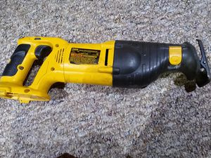 DeWalt 18 volt reciprocating saw. No battery, no Charger for Sale in Bloomingdale, IL
