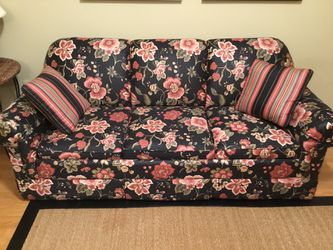 Sleeper Couch great condition Verified Users only for Sale in Dunwoody,  GA