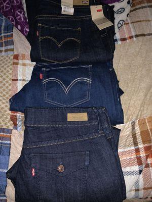Women's Levi's jeans for Sale in Fontana, CA
