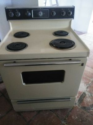 Free GE Electric Stove for Sale in Tucson, AZ