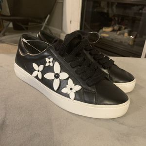 Michael Kors black leather sneakers for Sale in Thornton, CO