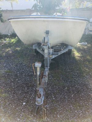 Boat Boston Whaler for Sale in TWN N CNTRY, FL