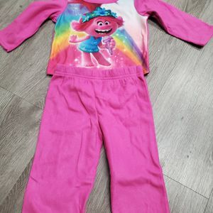 New Trolls 2pc Pajamas for Sale in Fontana, CA