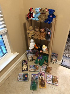 Selling shelf with 15 ty beanie babies of your choice for Sale in Katy, TX