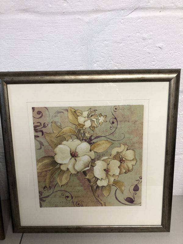Wall art with flowers set of 2