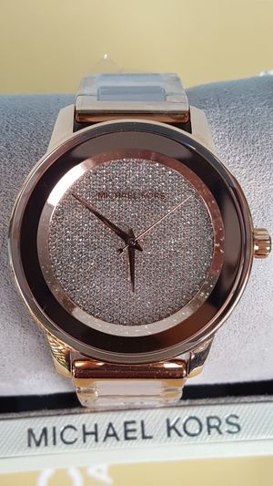New Authentic Michael Kors Women's Baby Pink With Rosegold Watch 🎁🎁🎁 for Sale in Montebello, CA