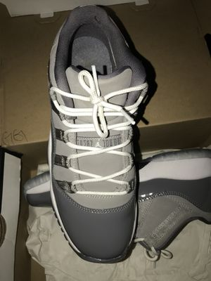 Jordan 11s gray 7y for Sale in Seattle, WA